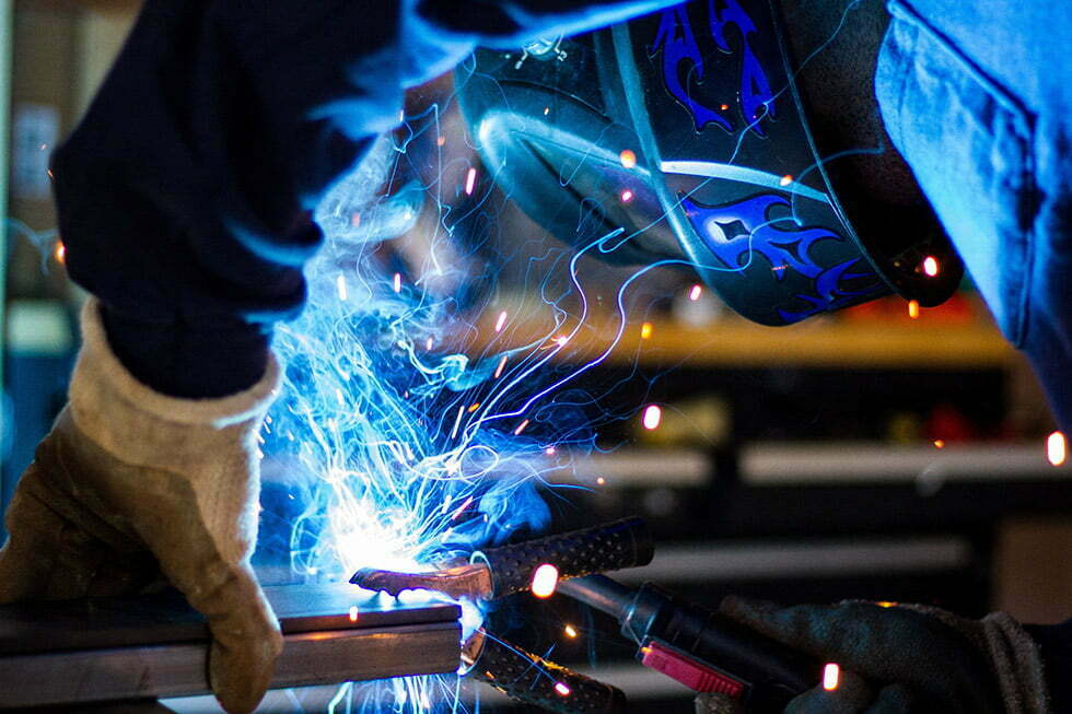 welder-with-mask-1